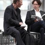 Moderator Fittkau und Roland Gruber im Gespräch